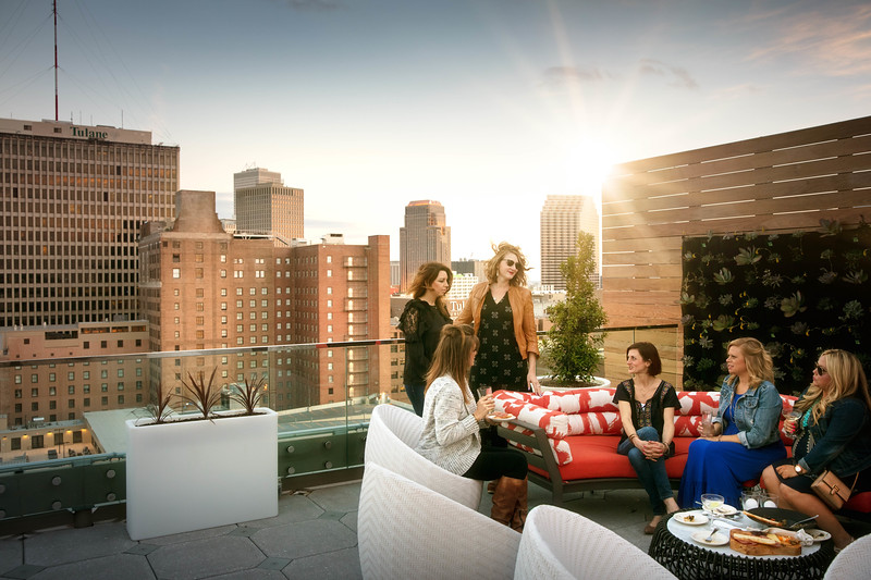 68-lifestyle with women at VUE 7.jpg