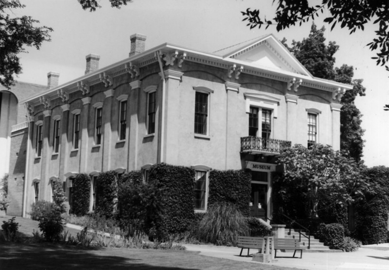 1982 Courthouse Museum.jpg