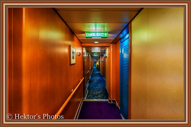 Stateroom 10024-1.jpg