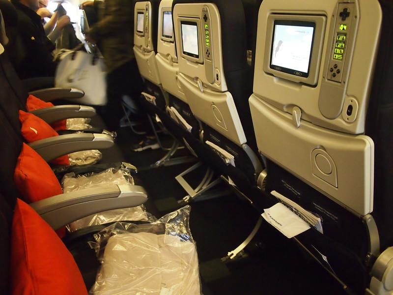 PA295146-777-seats.JPG