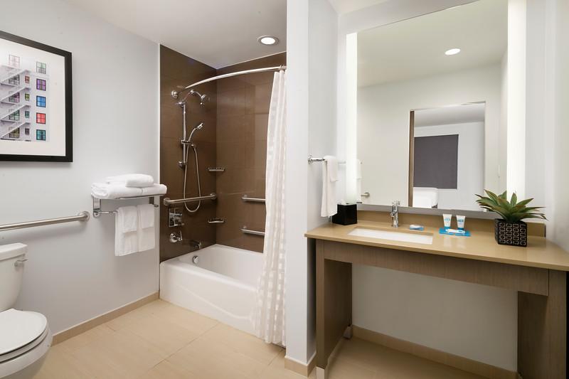 21-Bathroom-HH Frisco.jpg