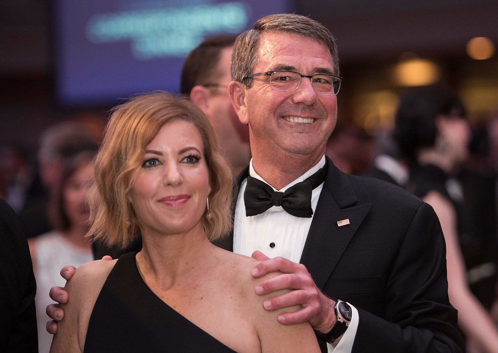 . US Defense Secretary Ashton Carter and his wife Stephanie attend the 102nd White House Correspondents\' Association Dinner in Washington, DC, on April 30, 2016. / AFP PHOTO / NICHOLAS KAMM/AFP/Getty Images