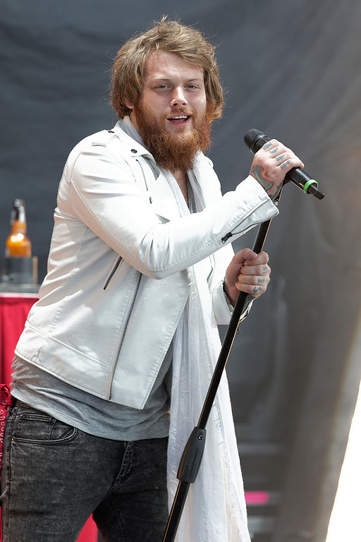 . Asking Alexandria\'s Danny Worsnop performs at Mayhem Festival on Thursday, July 18, 2014, at DTE Energy Theatre, Independence Township. Photo by Ken Settle