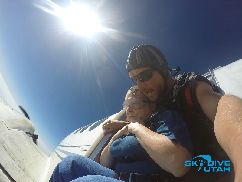 Lisa Ferguson at Skydive Utah - 16.jpg
