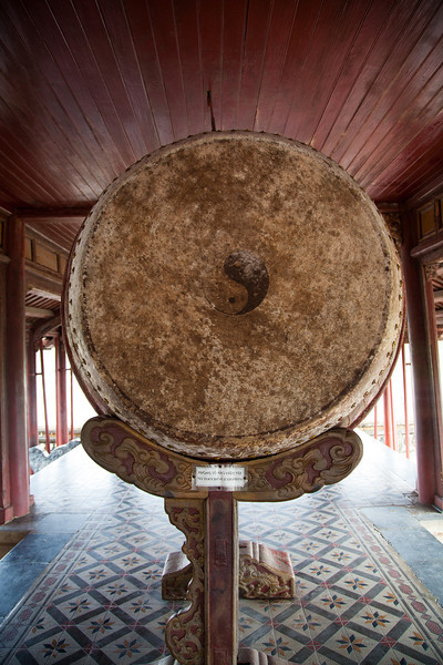 A large drum inside Ngu Phung, on top of the Ngo Mon Gate.