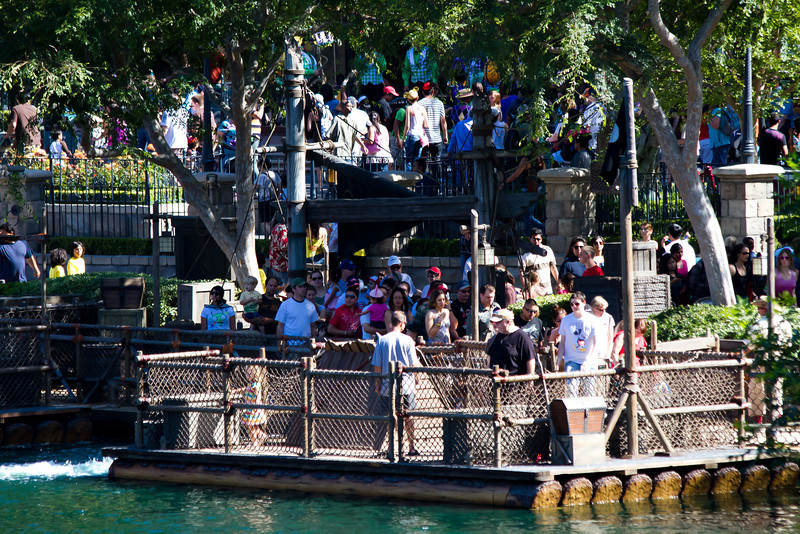 Raft to Tom Sawyer's Island