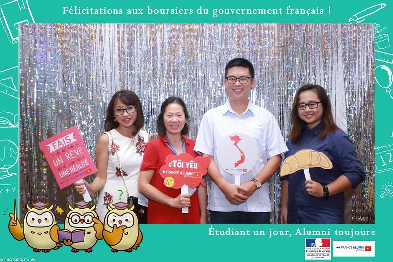 France-Alumni-Vietnam-photobooth-at-Franch-Embassy-Vietnam-photobooth-hanoi-in-hinh-lay-ngay-Su-kien-Lanh-su-quan-Phap-WefieBox-photobooth-vietnam-025.jpg