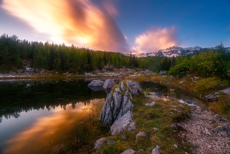_DSC3197-1-SLOVENIA LAKE WITH ROCK-FG rock MG lake and trees BG sunset with clouds-FINAL.jpg