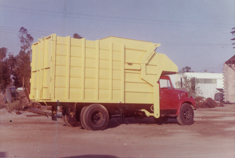 International Bowles Push Pack Front Loader
