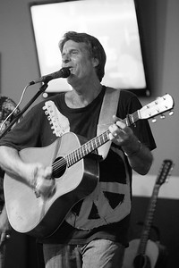 2015-08 Mike Castleberry Open Mic at Hang Time