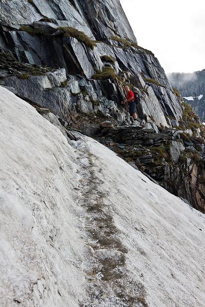 """Het """"kleine"""" beetje sneeuw in de Sajatscharte is toch wat meer dan het leek."""