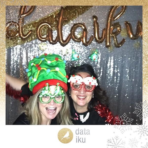 Dataiku_Holiday_Party_photo_12.jpeg