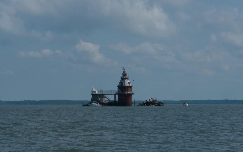 Delaware River Light 2