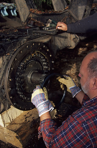 Repairing the bogie