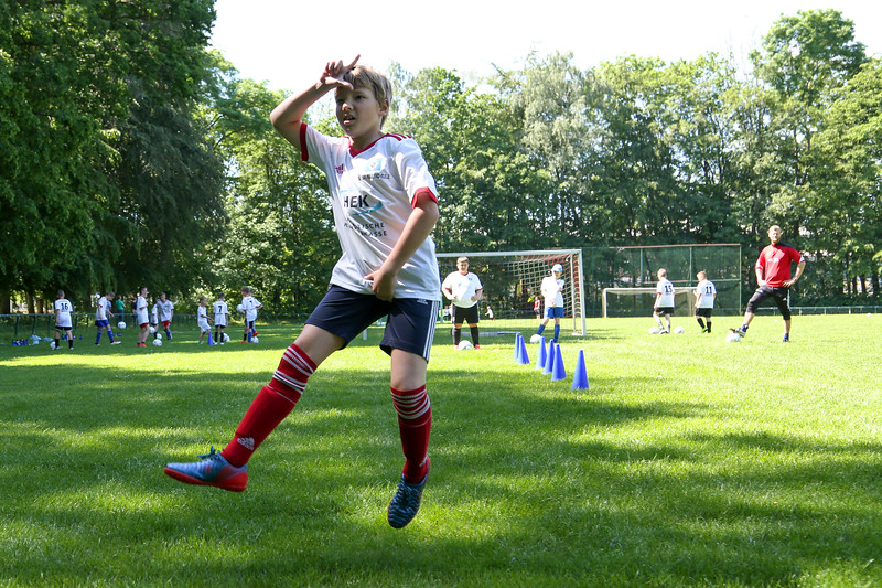 hsv_fussballschule-319_48048034562_o.jpg