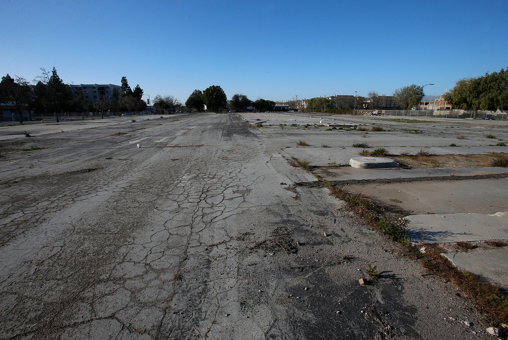 . An empty lot at at the corner of N 6th St. and Jackson St. looking north in Japantown in San Jose, Calif., on Monday, Feb. 25, 2013.  After years of on-again, off-again plans for development of five acres of the city�s former Corporation Yard in Japantown, the San Jose City Council on Tuesday is expected to approve a term sheet with a developer in an effort to revitalize Japantown with housing, retail, an urban plaza, performance space and strong historical connection.  (Nhat V. Meyer/Staff)