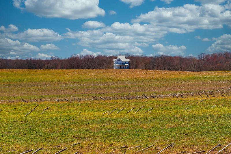 Hartville-Farmhouse-SpringfieldsSkylum.jpg