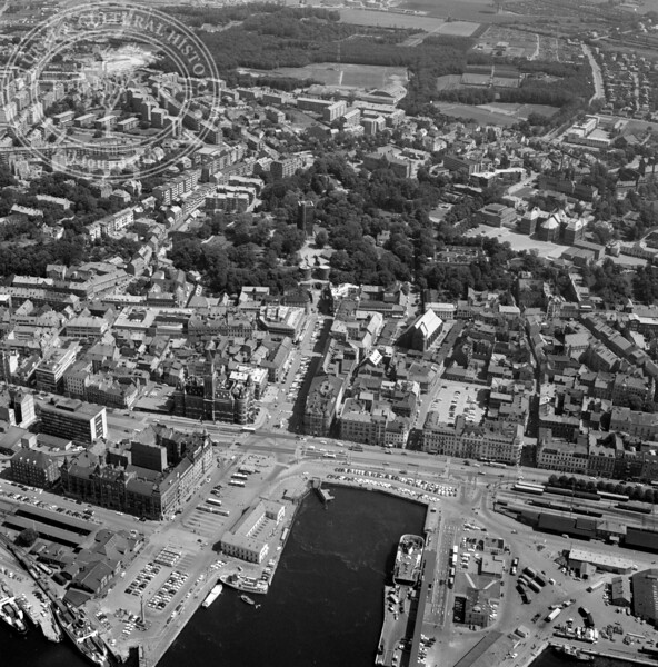 Helsingborg City with Harbor and Kärnan | EE.1213