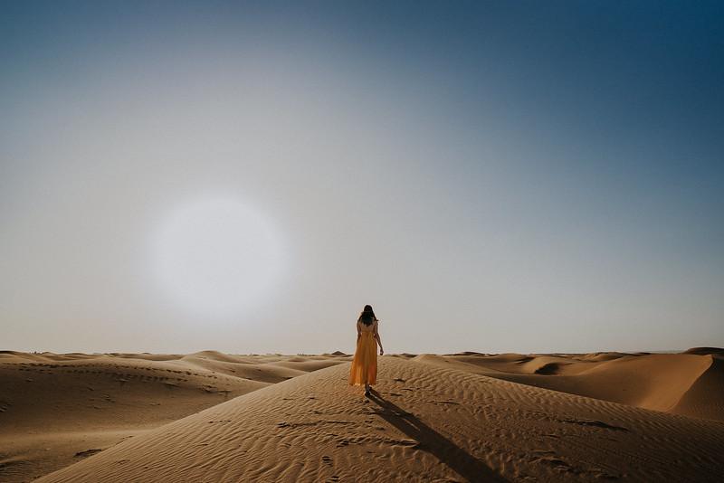 Tu-Nguyen-Destination-Wedding-Photographer-Morocco-Videographer-Sahara-Elopement-333.jpg