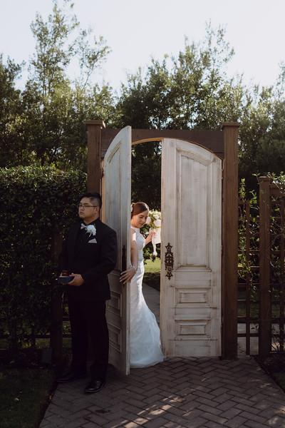 Kaitlin_and_Linden_Wedding_Pre_Ceremony-38.jpg