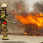 driver-wont-leave-burning-car-tells-police-hes-a-mechanic