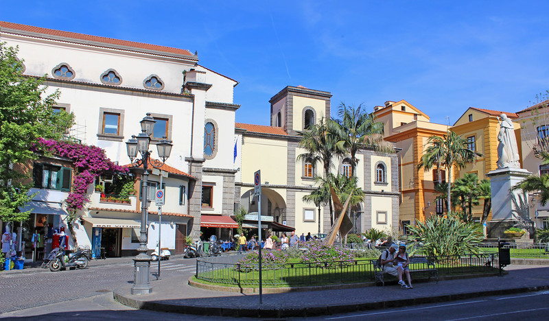 Sorrento-PiazzaSantAntonino01.JPG