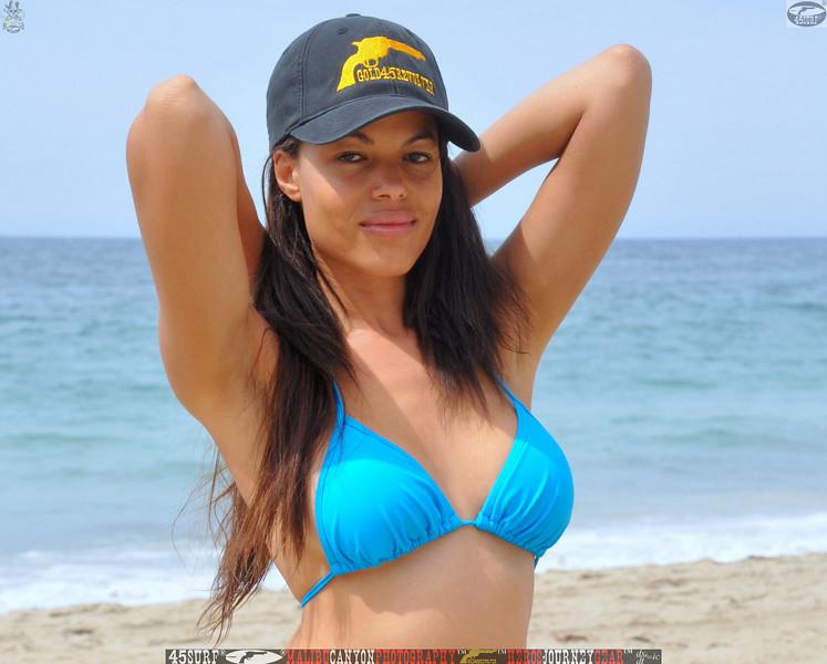 zuma beach matador beach beautiful swimsuit model malibu 45surf 1066,.kl,.,..jpg