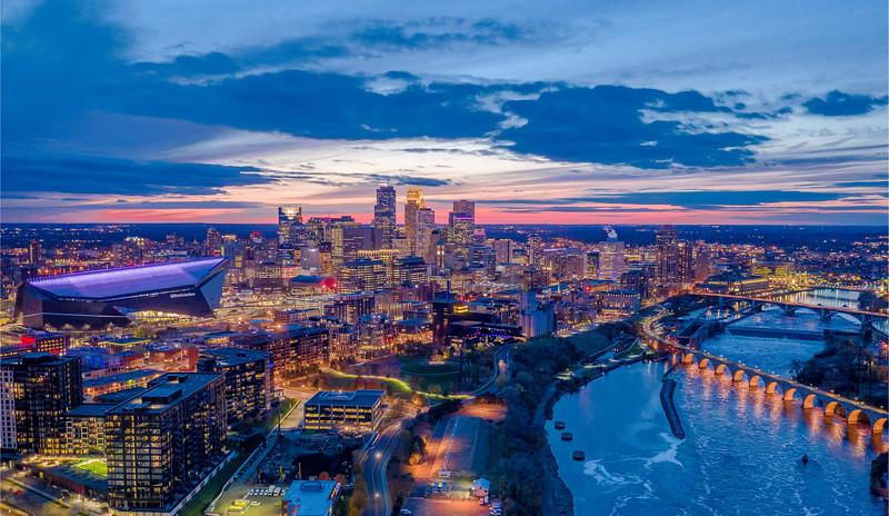 Minneapolis_Skyline_sunset_hi_res.jpg
