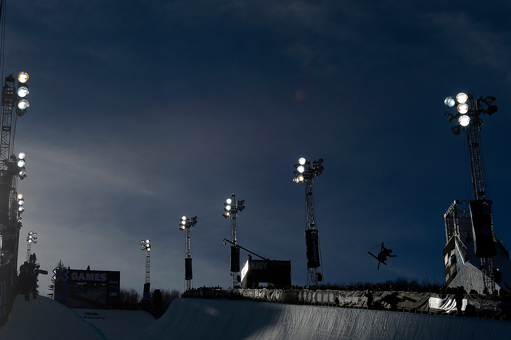 . ASPEN, CO - JANUARY 25: David Wise rides during the men\'s ski half pipe final. Winter X Games on Sunday, January 25, 2015. (Photo by AAron Ontiveroz/The Denver Post)