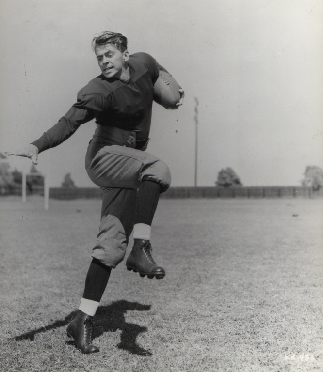 . Ronald Reagan is shown above as he played George Gipp  in the 1940 Warner Brothers film \'Knute Rockne-All American\'   (Los Angeles Daily News file photo)