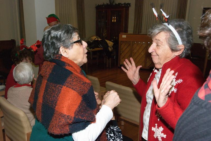 2018-12-19-Christmas-Caroling_034.jpg