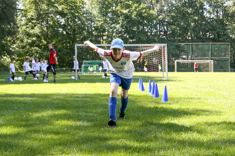 hsv_fussballschule-334_48047986308_o.jpg