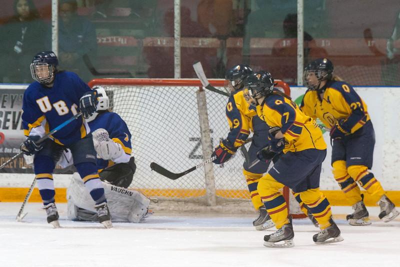20130310 QWHockeyvsUBC 625.jpg