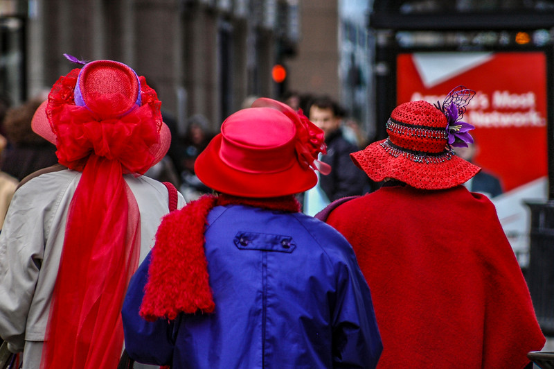 The red ladies who lunch