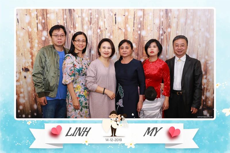 Linh-My-wedding-instant-print-photo-booth-in-Ha-Noi-Chup-anh-in-hnh-lay-ngay-Tiec-cuoi-tai-Ha-noi-WefieBox-photobooth-hanoi-30.jpg