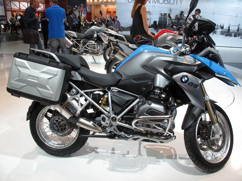 2013_new_water_cooled_bmw_r1200gs_002.jpg