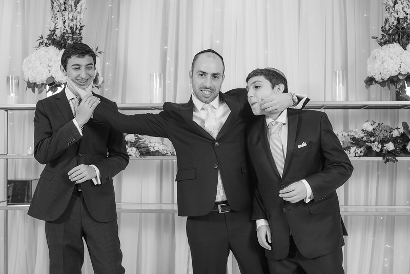 Miri_Chayim_Wedding_BW-130.jpg