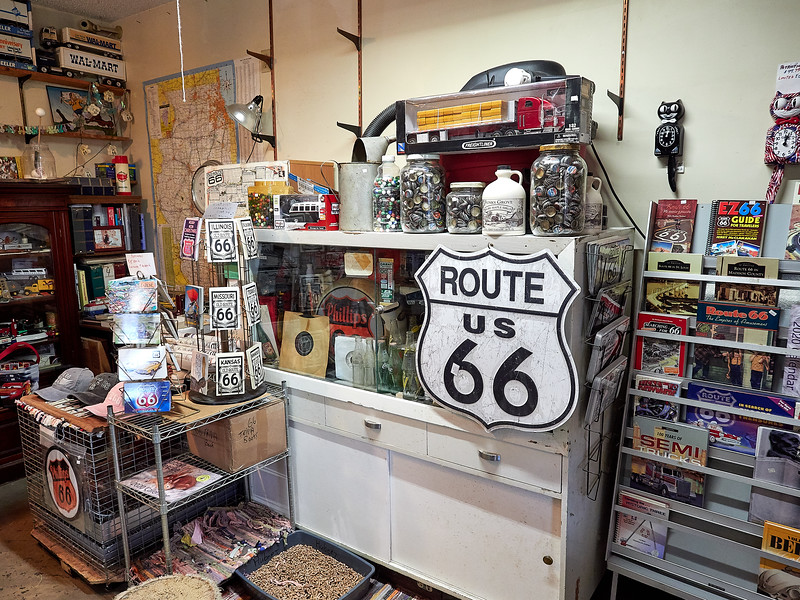 Route 66 - Staunton, Henry's Rabbit Ranch