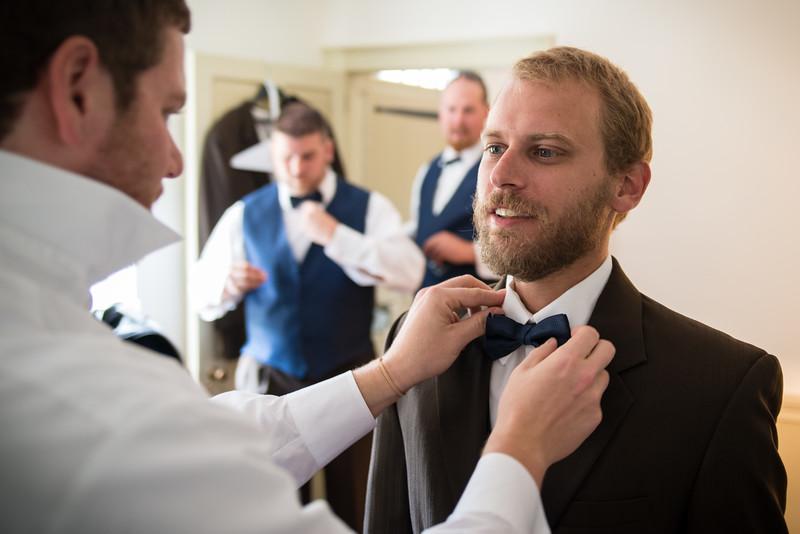 groomsmen-19.jpg
