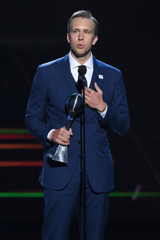 . Philadelphia Eagles quarterback Nick Foles speaks after receiving the award for best championship performance, in Super Bowl 52, at the ESPY Awards at Microsoft Theater on Wednesday, July 18, 2018, in Los Angeles. (Photo by Phil McCarten/Invision/AP)