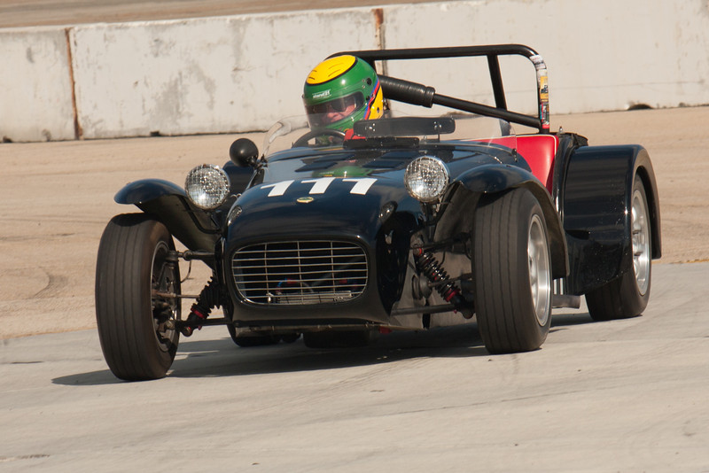 Mike Taradash in his 1962 Lotus Super 7 during Saturday practice.