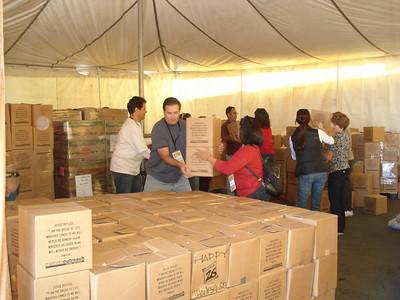 Thanksgiving Distribution Photos 2009
