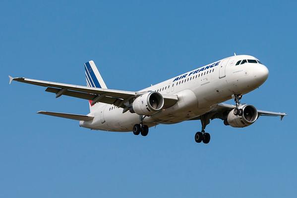 F-GFKS - Airbus A320-211