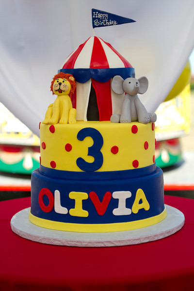 Olivia is 3 058.JPG