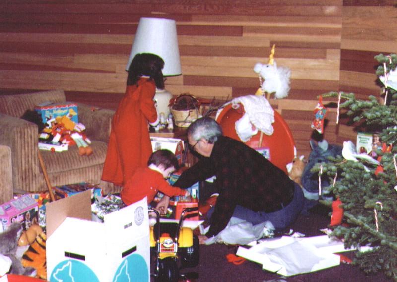 Nichole,Joseph,Wayne, Park City, 12-25-83  .jpg