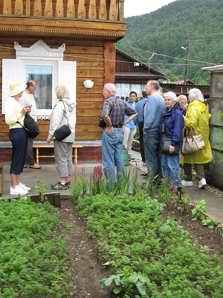Visit to Baikal home and garden - Leslie Rowley
