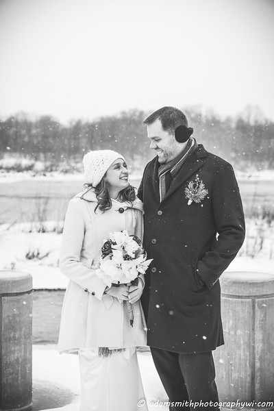 TJ_Julia_Preview_winter_wedding_Snow-2.jpg