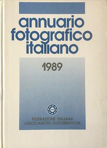 """""""Giochi sul piazzale"""" - Annuario Fotografico Italiano 1989"""