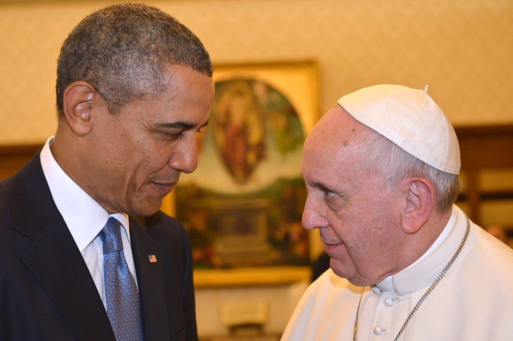 . Pope Francis (R) meets with US President Barack Obama during a private audience on March 27, 2014 at the Vatican.   AFP PHOTO POOL / GABRIEL BOUYS/AFP/Getty Images