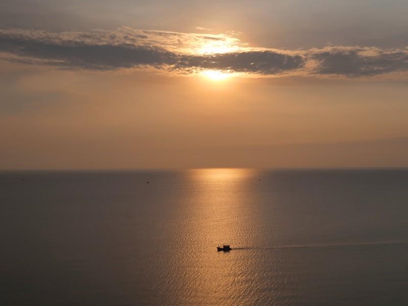 IMG_9705-boat-at-sunset.jpg